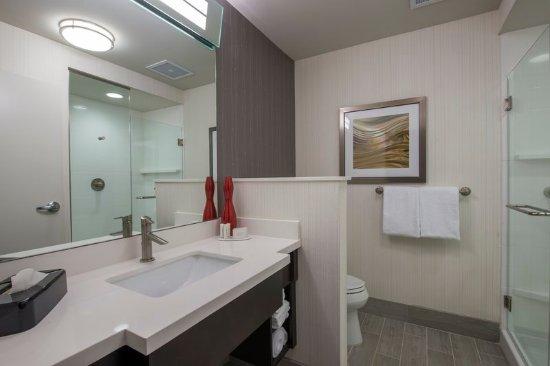 Columbus, MS: Guest Bathroom