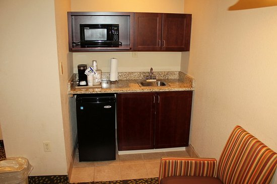 Starkville, MS: King Suite With Pullout Sofa Sleeper