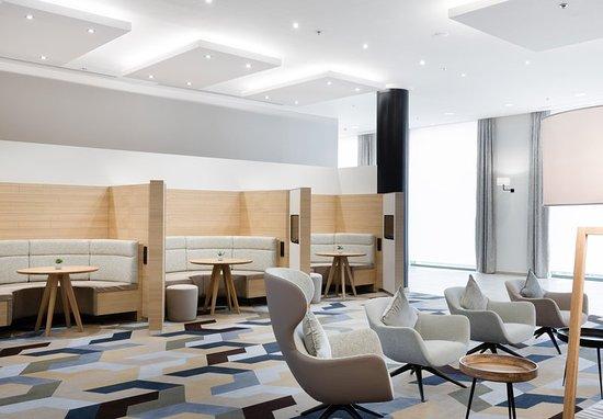 Evere, Belgium: Lobby Sitting Area