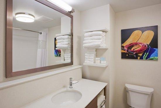 Spicer, MN: Guest Bathroom