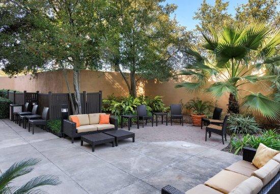 Stafford, TX: Outdoor Courtyard