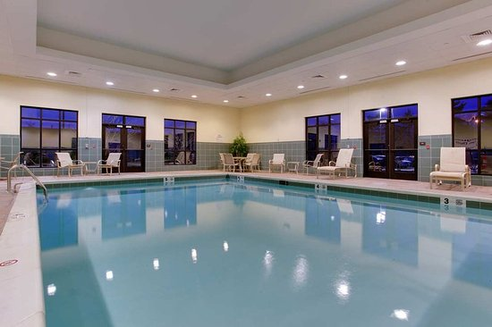Hampton Inn Garden City: Indoor Pool