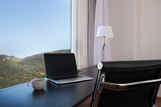 Fiesta Inn Cuernavaca: Working Desk