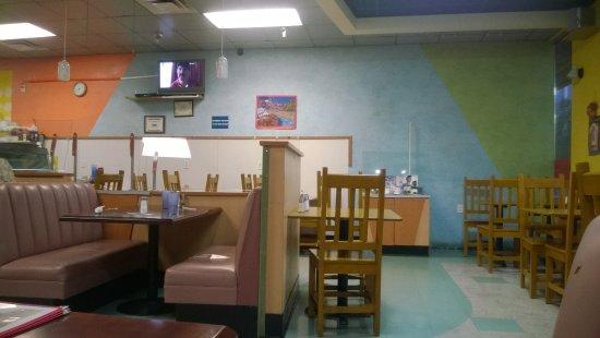 Bernalillo, Nuevo Mexico: Basic budget interior.