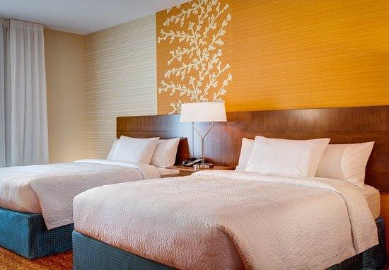 Burleson, TX: Queen/Queen Guest Room