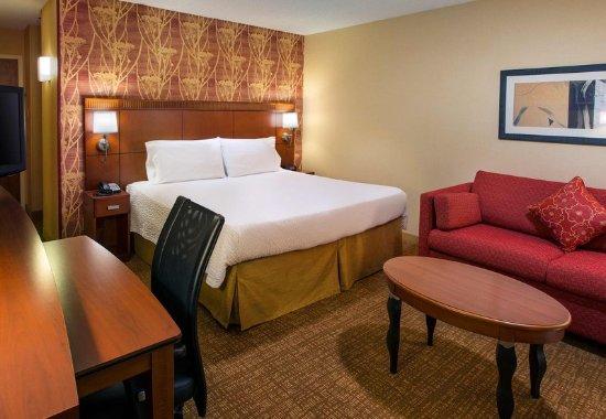 Fremont, CA: King Guest Room
