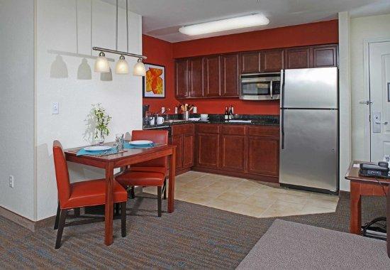 Temple, TX: Studio Suite Kitchen