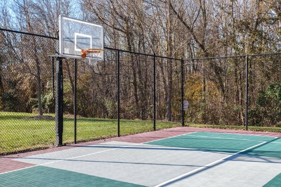 Candlewood Suites Research Triangle Park / Durham: Fun Workout at Our Basketball Court