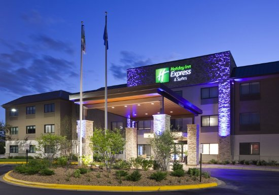 Golden Valley, MN: Minneapolis Hotel with free breakfast & free parking.