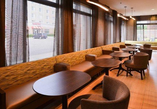 Romulus, MI: Lobby - Seating