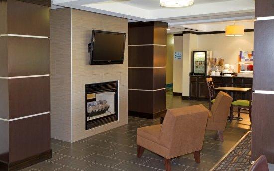 Holiday Inn Express Greenville Downtown: Breakfast Area