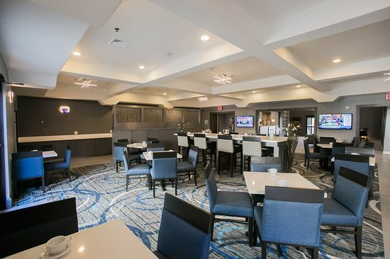 Longview, TX: The Lambortini Bar & Grill is open daily for breakfast and lunch