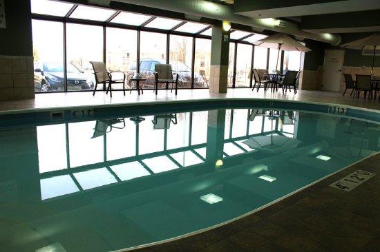 ทรอย, โอไฮโอ: Our heated pool is just waiting for you!