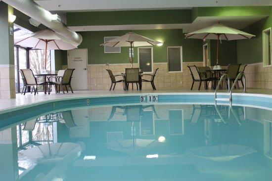 ทรอย, โอไฮโอ: Sit by the pool and relax or take a swim.