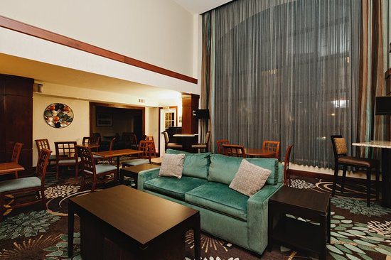 Staybridge Suites Dallas-Las Colinas Area: Guest Lounge