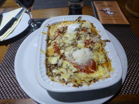 Slunj, Croatia: Lasagne Gurman, een echte aanrader!