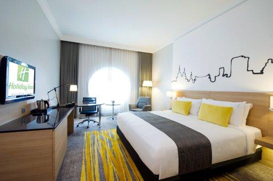 Holiday Inn Bangkok Silom: 1 BD Deluxe Room - Gold Theme