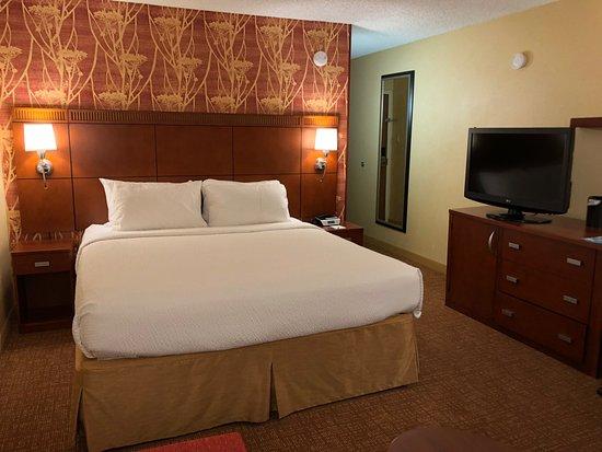 San Bruno, CA: Comfortable bed