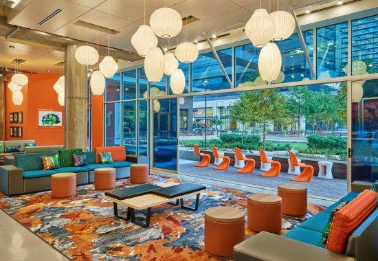 Richardson, TX: Lounge