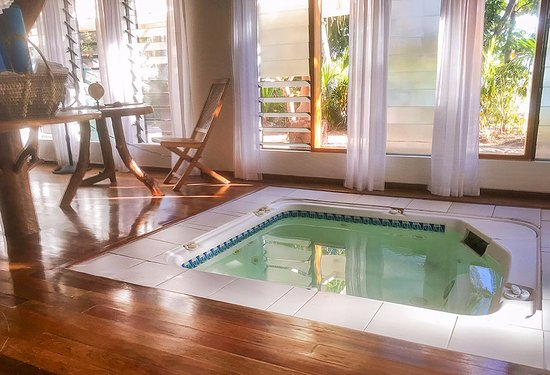 Turtle Islands, Fiyi: Bure 2, the hidden spa pool