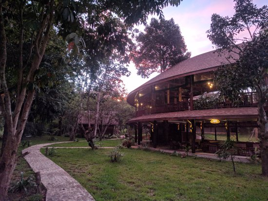 "Khlong Sok, Thailandia: Our restaurant ""The Farm"" at sunset"