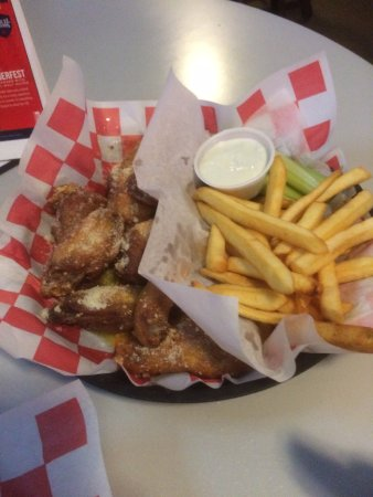 Johnson City, Estado de Nueva York: Garlic parmesan wings