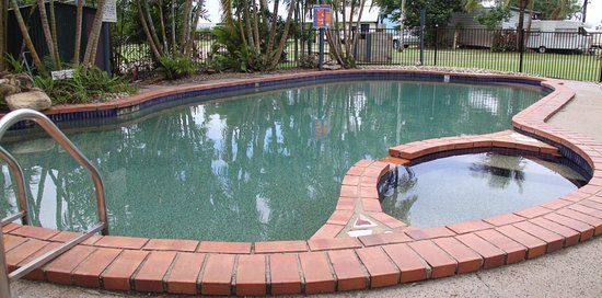 Tully, Australia: Pool area now with a cover
