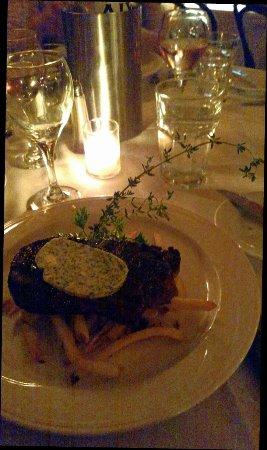 Kingston, Нью-Йорк: Chocolate mousse cake & NY Strip