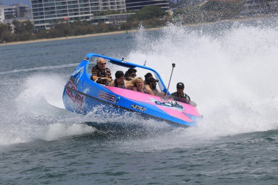 Main Beach, Australia: Fun for all the family if your over a 1 metre tall you can go jetboating at Gold Coast Waterspor