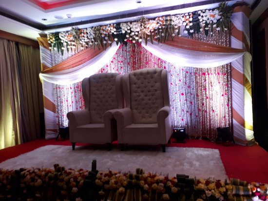 BEST WESTERN Skycity Hotel: Marriage Hall With Decoration For Bride And  Groom