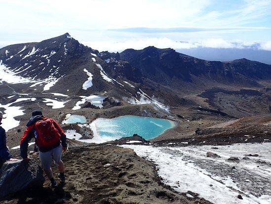 Parque nacional de Tongariro, Nueva Zelanda: ここが凄く滑るポイントです。
