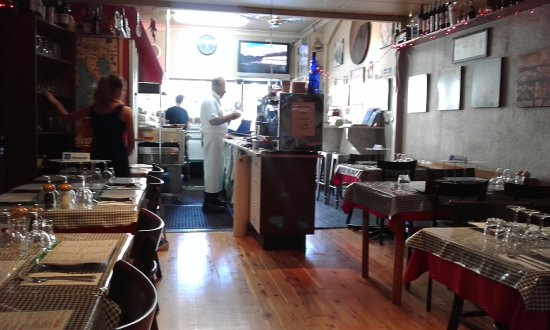 Crows Nest, Australien: Restaurant layout looking towards the street