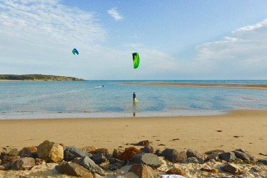 Talmont Saint Hilaire, France: La plage du Veillon, Un spot de Kitesurf unique sur la côte Vendéenne