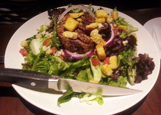 สโกกี, อิลลินอยส์: 7 pepper steak salad