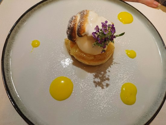 Saintes, France: Ananas épicé sorbet citron
