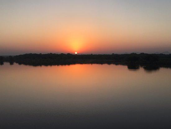 Chhatra Sagar: Sunrise
