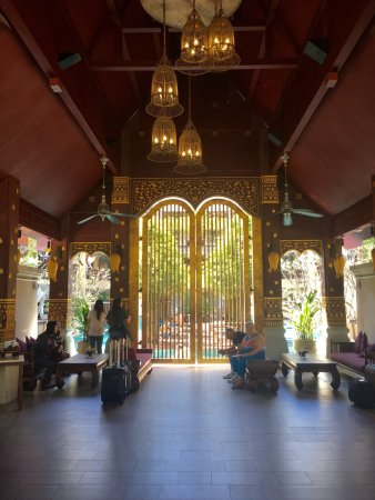 Burasari Resort: Awesome place and excellent services to Benz and Kwang.   Fantastic services!!