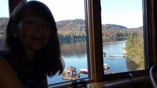 Big Moose Inn: Lake view
