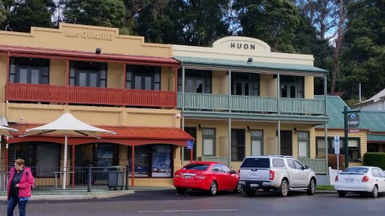 Strahan Village: We stayed in the Huon rooms.