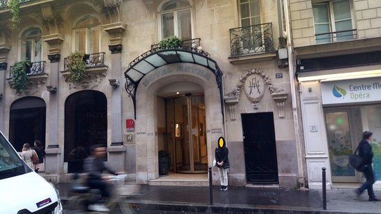 Hôtel Astra Opéra - Astotel : The front of the Hotel.