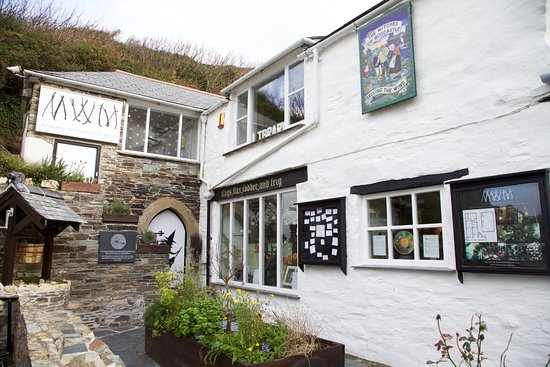 Boscastle, UK: The outside!