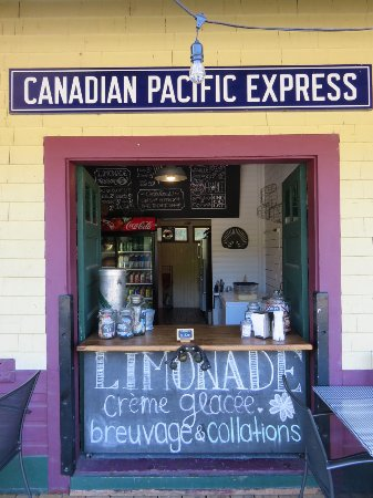 Labelle, Canada: Takeout Window