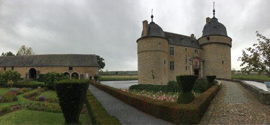 Le Chateau de Lavaux Sainte-Anne Photo