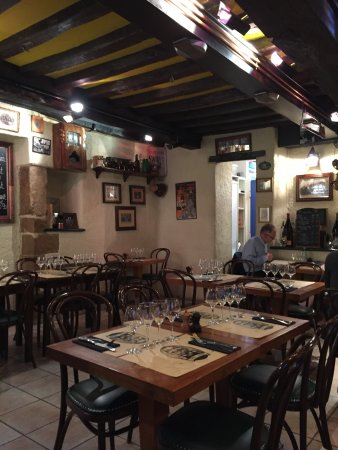 chez leon dijon restaurant reviews phone number photos tripadvisor. Black Bedroom Furniture Sets. Home Design Ideas