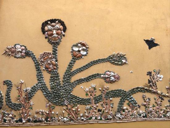 Les Sables d'Olonne, France : Un monstre charmant