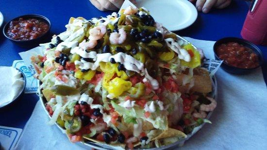 Flounder's Chowder House: Loaded nachos