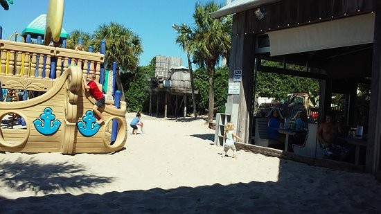 Flounder's Chowder House: Outside play area
