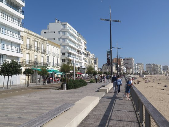 Les Sables d'Olonne, France : Un espace de promenade idéal