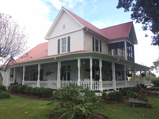 Sunrise Farm Bed and Breakfast: Home