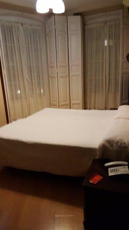 Hotel Plaza Mayor: Room 303 two twins